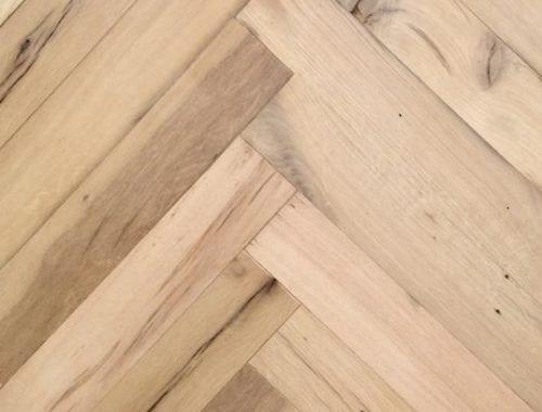 Visgraat parketvloer echt oud hout