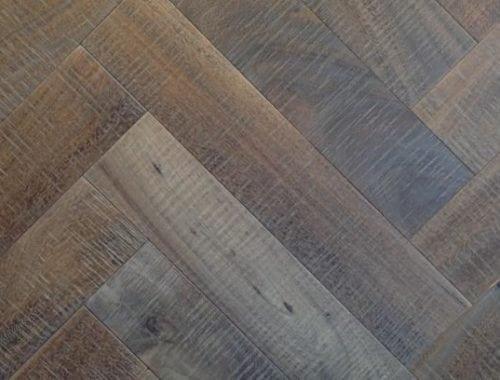 Visgraat parketvloer eiken dubbel gerookt en verouderd