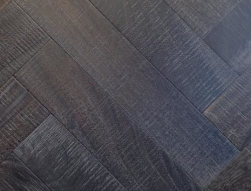 Visgraat parketvloer eiken dubbel gerookt, verouderd en zwart geolied